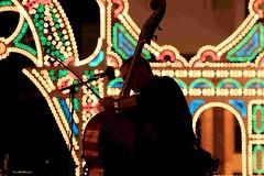 """della serie """"E' RITMO"""" ... n. 4 A SUON DI TANGO (Maria Grazia Marrulli) Tags: lamiaprimamostrapersonale artcafè ilgrillo tradizione festa luminarie cassarmonica musica tango orchestra strumentimusicali contrabasso musicista uomo man homme colori inmovimento orchestraicodellamagnagrecia astorpiazzolla elamor imieiluoghi piazzacarmine taranto puglia italia circolomicromosso consolatodipuglia"""