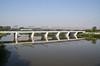 Tanto per cambiare........ (Maurizio Zanella) Tags: bridge river italia fiume trains ponte railways aw fs alessandria treni ferrovie autoslaaptrein tanaro eetc e656454 arenaways