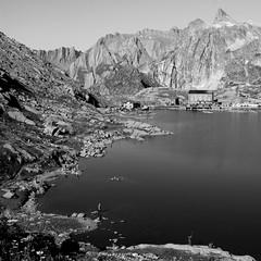 Concours de pche au Col du Grand Saint Bernard (Ghost-in-the-Shell) Tags: mountain alps alpes noiretblanc p concours col valais pche pcheurs pescatori grandsaintbernard