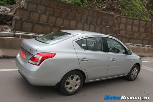 2012-Renault-Scala-11