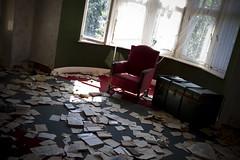 Le penseur (Nutena) Tags: old red house window dark rouge decay urbanexploration maison desolate fenêtre decaying feuilles vieux fauteuil ambiance urbex délabré ténébreux défraîchi