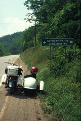 1995_19-30 (Guggemoldo) Tags: scanner westvirginia 1995 rgb motoguzzi raster senecarocks beiwagen gespann