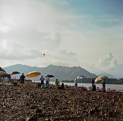 Playing Kite together (yyy100) Tags: cloud mountain kite 120 6x6 kodak together kiev portra 160 8028