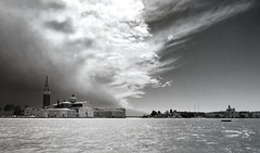 Venezia Variabile (invitojazz) Tags: sky bw clouds nikon nuvole cielo venezia sangiorgio d90 invitojazz vitopaladini