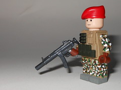 British Para (-Yoshifan151-) Tags: red lego special british beret forces paratrooper multicam