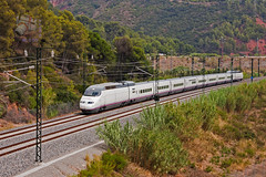 AVE en Castellbisbal (UT440 131M) Tags: barcelona train canon tren photography eos photo spain europa europe mark zug catalonia ii 1d ave alta catalunya 100 velocidad alstom tamron serie trainspotting spotting 020 ferrocarril renfe occidental aleix pruebas trainspotter lav espaola alco s100 espanya catalogne lnea spotter altavelocidad valls corts adif ffcc administrador operadora castellbisbal ferroviarias maquinistas gecalstom canonistas homologacin 100020 af28300 ferrocat deinfraestructuras exeuromed