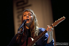 Angel Olsen _MG_8276 (Klaas / KJGuch.com) Tags: festival availablelight livemusic americana groningen concertphotography oosterpoort takeroot rootsmusic deoosterpoort fileundernl angelolsen kjguchcom lastfm:event=3258340