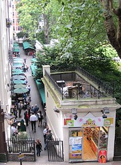The wine bar and the sweet shop (Andy Worthington) Tags: trees london shops villiersstreet charingcrossstation gordonswinebar sweetshops andyworthington londonshops winebars