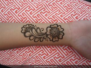 Arabic wrist flower