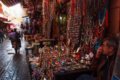 _MG_3640 (JF Marrero) Tags: marruecos maroc marocco marrakesh marrakech hombre man moto motorbike bike zoco zouk oscuridad darkness luces lights lumieres lamparas lamps oro dorado gold gente personas people sentada sentado siting trinkets baratijas bisuteria imitationjewelry lampara lamp
