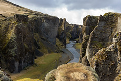 Coloring the sunshine hours (OR_U) Tags: 2016 oru iceland fjarrgljfur landscape river canyon jonimitchell rocks green clouds weather
