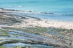 La mer, quand vient le temps des vacances, c'est le temps de la danse (MaO de Paris) Tags: 2016 calais flandres pasdecalais beach capgrisnez france maréebasse mer nord plage relief sable