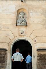 Sunday morning at a catholic church, Lviv (Eleonora Sacco | Pain de Route) Tags: ukraine ukraina ucraina 2016 summer
