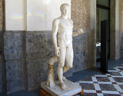 Polykleitos, Doryphoros, right flank