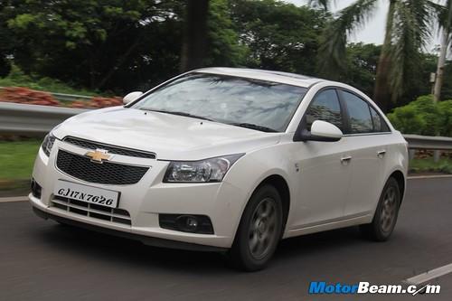 2012-Chevrolet-Cruze-03