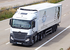 Mercedes Actros new look YA12 KKF (gylesnikki) Tags: white truck artic mp4 2012 reedboardall