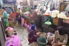 P1030586 (yan man) Tags: street sunset vacation people bali beach indonesia lumix market coconut islam malaysia kualalumpur langkawi surabaya roti pasar kalimantan balikpapan samarinda lx5 pasarpabean