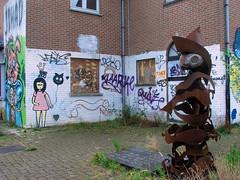 Belgie, Doel (Beveren) (ekenitr) Tags: city urban streetart building graffiti belgie publicart doel vlaanderen beveren portofantwerp portdanvers ekenitr