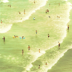 The Shore (Mara T Pons) Tags: summer people beach shore sliderssunday verano2012