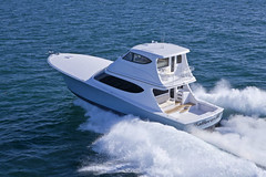 Hatteras GT63 (BoatTEST.com) Tags: test design review performance boating yachts motoryacht feature cruisers flyingbridge hateras boattest runningshot gt63 hatterasgt63