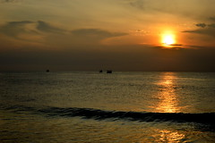 Sunrise (Nyshnt) Tags: sunrise morning beach mynikon clouds