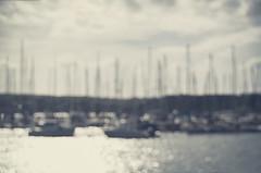 Marina (Graella) Tags: blur bokeh desenfoque marina mar barcos vaixells boats landscape ireland irlanda costa paisatge paisaje sea