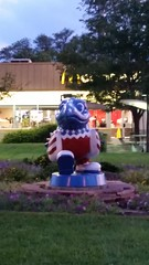 KU Jayhawk Statue - Uncle Sam Hawk (Adventurer Dustin Holmes) Tags: 2016 kansas ku kansasuniversity statue jayhawk redwhiteandblue redwhiteblue patriotic bird birds mcdonalds unclesamhawk i70 lawrenceks lawrencekansas i70turnpike