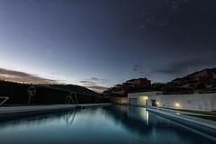 Piscina (Kepa.) Tags: water agua piscina swimingpool summer veran verano relax peace sky cielo azul blue nature