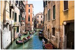 Venezia III (Armando Alvarez) Tags: italy italia venezia venecia venice gondolieri gondolier color colour viaje travel nx300