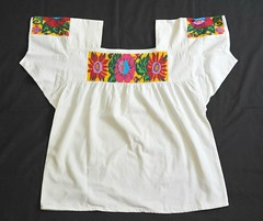 Nahua Blouse Mexico Hidalgo (Teyacapan) Tags: mexico mexican blusa blouses nahua hidalgo tianguistenco embroidered flowers trajes ropa