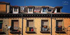 (290/16) Las buhardillas (Pablo Arias) Tags: pabloarias photoshop photomatix nx2 cielo texturas arquitectura viejomadrid buhardillas malasaa madrid comunidaddemadrid