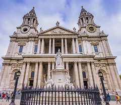 St Paul's Cathedral (Witrian How) Tags: uk panorama hdr canon760d 18135mmisstm building