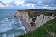 magnifica Etretat (ceszij) Tags: france francia normandie normandia etretat scogliere falesie acantilado gabbiano seagull oceanoatlantico atlanticocean rock