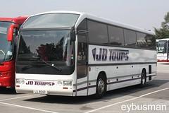 JB Tours Watnall LIL8453. (EYBusman) Tags: road park nottingham bus coach yorkshire skills east independent jb dennis tours bridlington skill 425 duple scenicruiser watnall hestair hilderthorpe j81crr eybusman lil8453