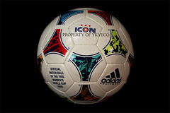 TANGO ICON FIFA WOMEN'S WORLD CUP USA 1999 OFFICIAL ADIDAS MATCH BALL 01 (ykyeco) Tags: world usa cup ball football official fussball top fifa soccer ballon icon 1999 womens tango match bola adidas pelota palla balon pallone pilka 球 공 ボール omb мяч كرة matchball spielball ลูกบอล ลูกบอลكرة 球ボール 阿迪达斯足球