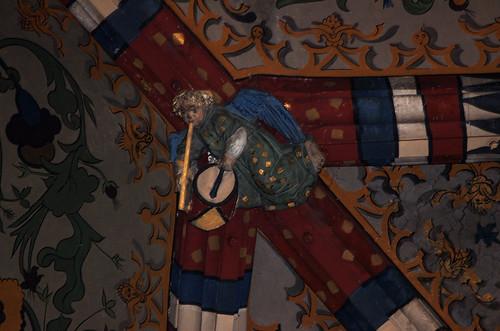 Luik, Wallonie, église St.-Jacques, vault, keystones, musical cherub