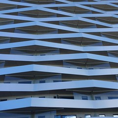 Läckert hus! #sundbyberg #coolabalkonger #loftgångar (ulricalyhnakis) Tags: square squareformat iphoneography instagramapp uploaded:by=instagram