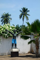DSC05767 (nomiegirardet) Tags: slaves esclave marche colonialisme souffrance animism vaudou ouidah bnin afrique africa totem walk rituel symbol free man liberty