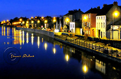 Kilkenny at night. (Edward Dullard Photography. Kilkenny, Ireland.) Tags: oldkilkenny oldpicturesofkilkenny oldphotographsofkilkenny oldkilkennyphotos kilkenny ireland eire leinster cillchainnigh tourismkilkenny kilkennytourism reflection river night nacht light licht edwarddullardphotography kilkennypeople