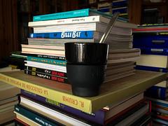 Da 46 | Equilibrio (Chimista) Tags: iphone iphone6splus 365coffeeroad caf taza cucharilla jan libros