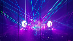 Coldplay Concert lasers 2016 (Eck-tor) Tags: coldplay concert light bands 2016 red lasers black white samsung edge 7