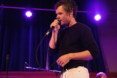 Roddy Woomble (redrospective) Tags: 2016 20160914 cecilsharphouse london roddywoomble september2016 black blue cashmere closeup concert curtain gig jumper live microphone musicians people purple spotlights white