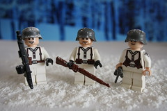 Winter Germans (zalbaar) Tags: world winter 2 germany war wwii ww2 germans wehrmacht mp40 kar98 brickarms