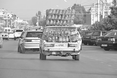 Traffic Jam (Le*Gluon) Tags: road street bw car transport stack jar tajikistan load overloaded khujand d90 tadjikistan jigouli tamron18270