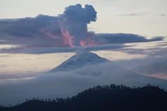 Toneladas de ceniza (Jos Lira) Tags: volcanes