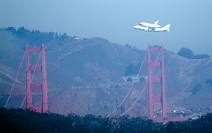 2012-09-21 at 10-49-13 (Pables) Tags: sanfrancisco goldengatebridge spaceshuttle endeavor