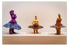 Ballerines [Explored 1-10-2012] (Gabi Monnier) Tags: sculpture france art statue canon 50mm flickr expo danse jour moderne provence artcontemporain intérieur aubagne artsingulier ballerines canoneos600d gabimonnier