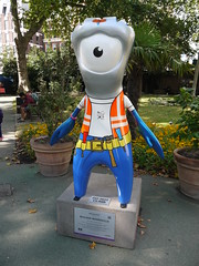 Builder Mandeville (Worthing Wanderer) Tags: summer london sunny august olympicgames london2012 mayoroflondondiscoverystrolls