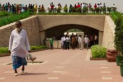 Raj Ghat memorial to Mahatma Ghandi (StartAgain) Tags: people india colours delhi ghandi newdelhi rajghat mahatmaghandi canonef24105mmf4lis