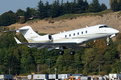 Private N926AG (Drewski2112) Tags: seattle county field airport king international boeing 300 challenger bombardier bfi kbfi cl30 n926ag